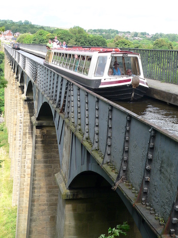 The Pontcysyllte Aqueduct on the Llangollen canal